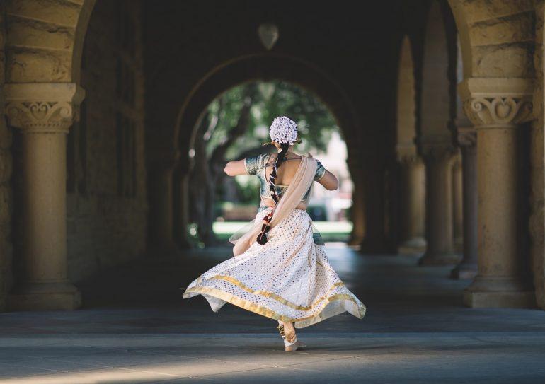 Femme-voyage en Inde